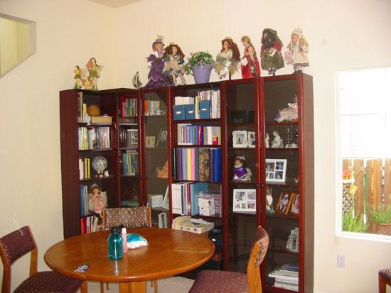 front_room2_sm.jpg