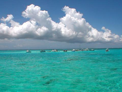 cayman-islands-blue-water_crop1.jpg